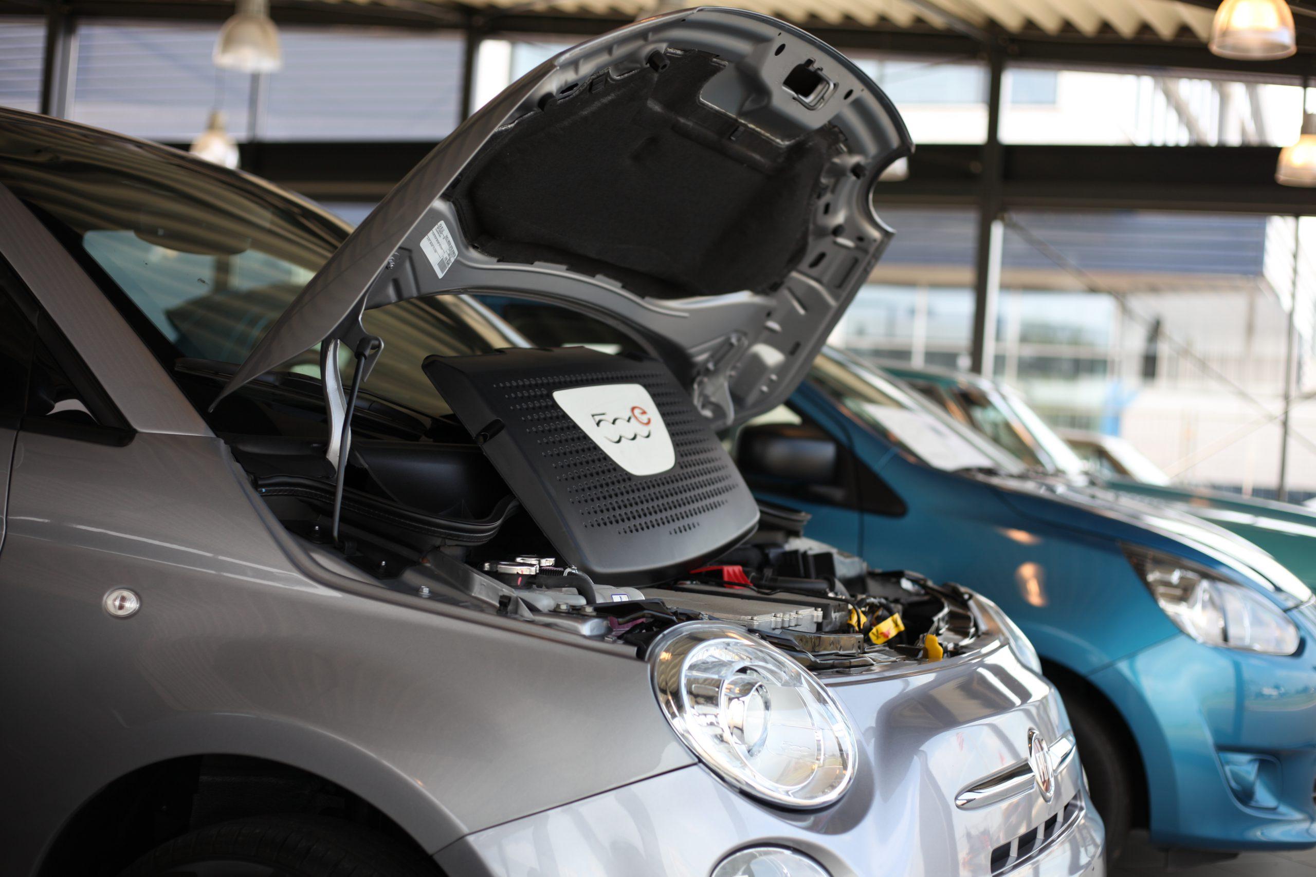 EV-onderhoud 3 Van Schellen Auto's